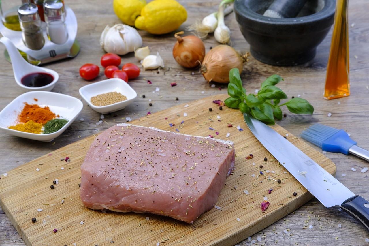 Seasoned meat
